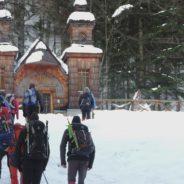 Otroško iskanje zime okoli Vršiča